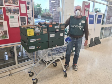 LibDem Wealden District Councillor Gareth Owen-Williams delivering for Crowborough Food Bank, July 2020